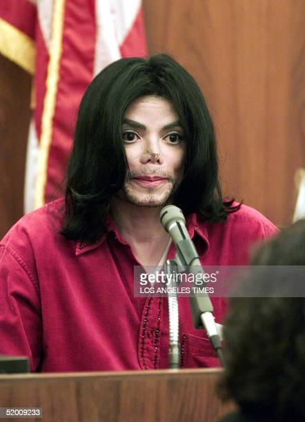US entertainer Michael Jackson testifies in Santa Maria Superior Court 13 November 2002 in a trial in which he is accused of cancelling concert...