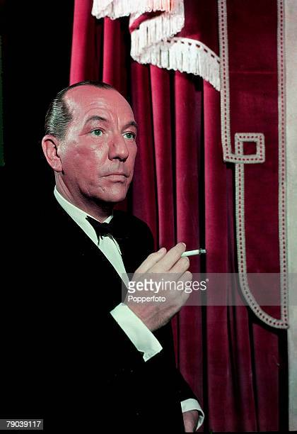1949 English playright actor composer director and producer Noel Coward portrait who epitomised the witty and sophisticated man of the theatre