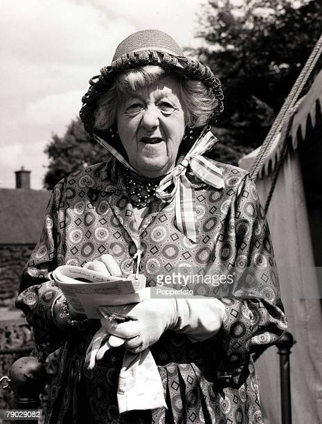 Entertainment/Cinema England 15th October 1961 British actress Margaret Rutherford pictured at Sandown Park racecourse