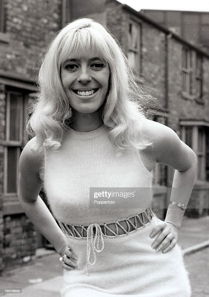 Entertainment/Television, England, 3rd May 1970, Actress Julie Goodyear, about to make her debut in the T,V,soap 'Coronation Street' as Bet Lynch on Monday 18th May 1970 pictured here on the soap set