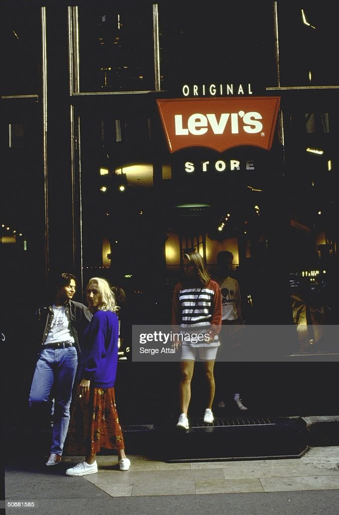 Entrance to Levi's store.