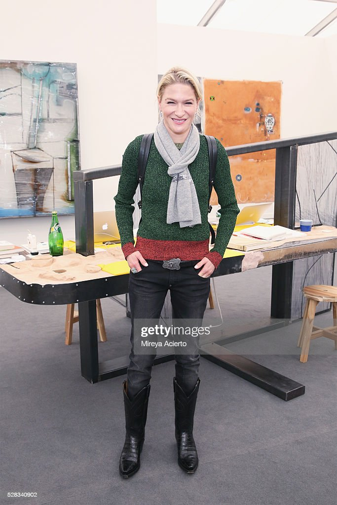Entrepreneur Julie Macklowe attends the 2016 Frieze Art Fair: New York at Randall's Island on May 4, 2016 in New York City.