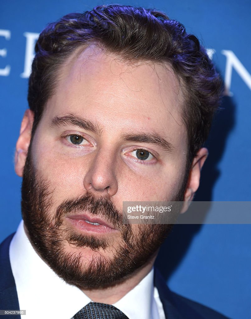 Entrepreneur <a gi-track='captionPersonalityLinkClicked' href=/galleries/search?phrase=Sean+Parker+-+Unternehmer&family=editorial&specificpeople=4845936 ng-click='$event.stopPropagation()'>Sean Parker</a> arrives at the 5th Annual Sean Penn & Friends HELP HAITI HOME Gala Benefiting J/P Haitian Relief Organization at Montage Hotel on January 9, 2016 in Beverly Hills, California.