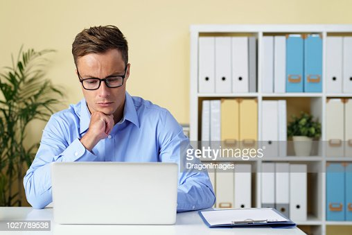 Entreprneur checking e-mails : Stock Photo