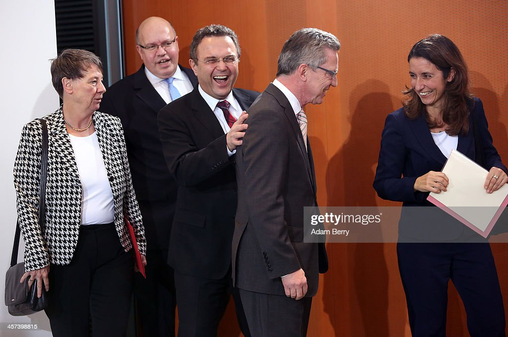 New German Government Holds First Cabinet Meeting