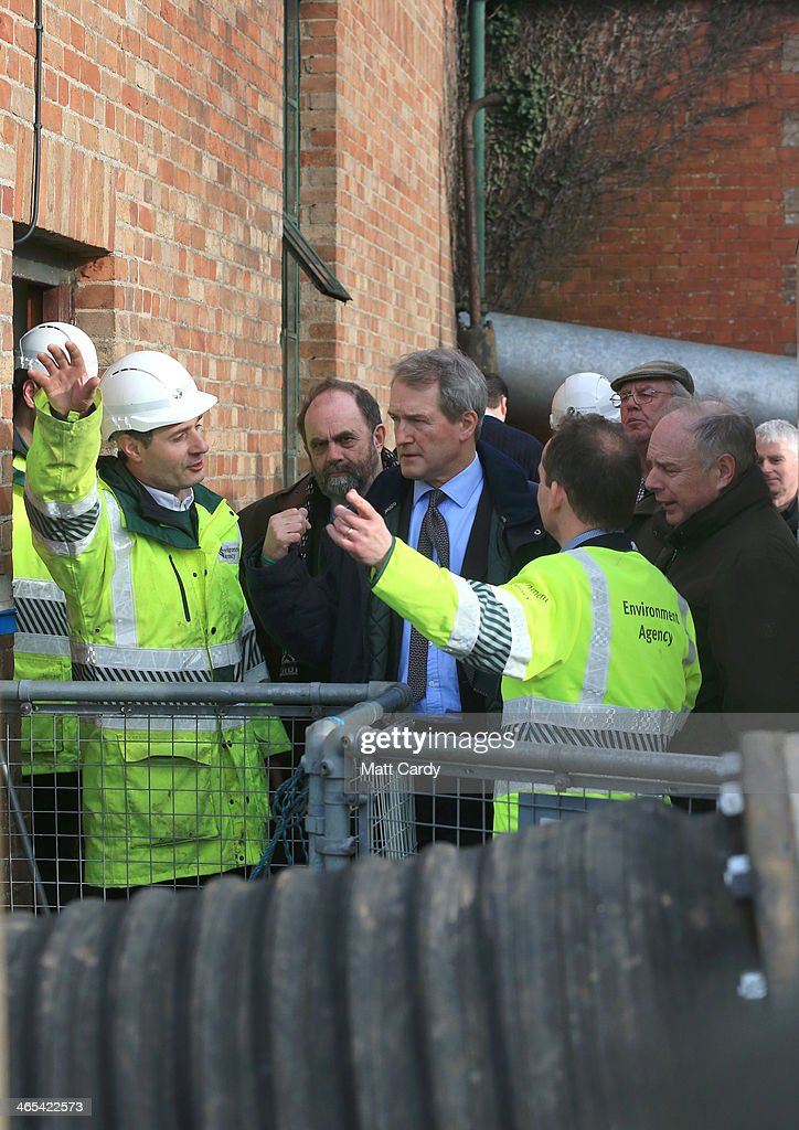 Environment Secretary Owen Paterson visits the Northmoor Pumping Station in Moorland on January 27 2014 near Bridgwater England During his visit to...