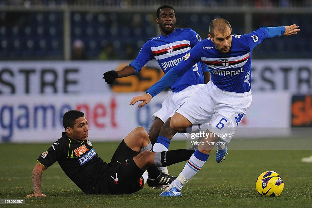 Enzo Maresca (R) of UC Sampdoria is challenged by Allan of Udinese Calcio during the Serie A match between UC Sampdoria and Udinese Calcio at Stadio Luigi Ferraris on December 10, 2012 in Genoa, Italy.