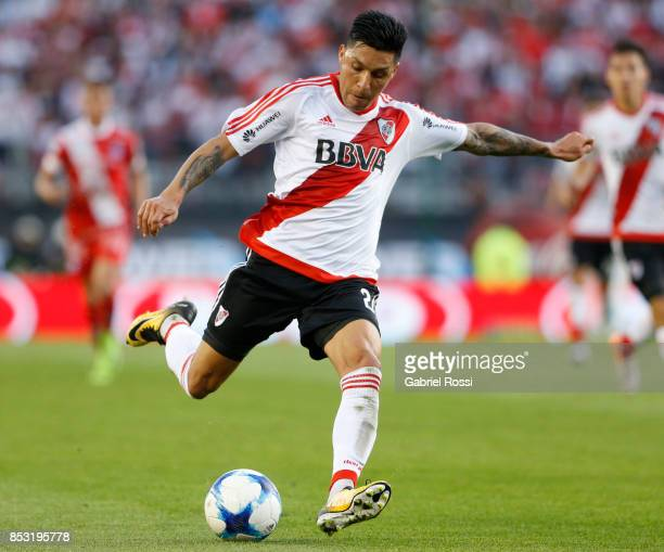 Enzo Perez of River Plate kicks the ball during a match between River Plate and Argentinos Juniors as part of the Superliga 2017/18 at Monumental...