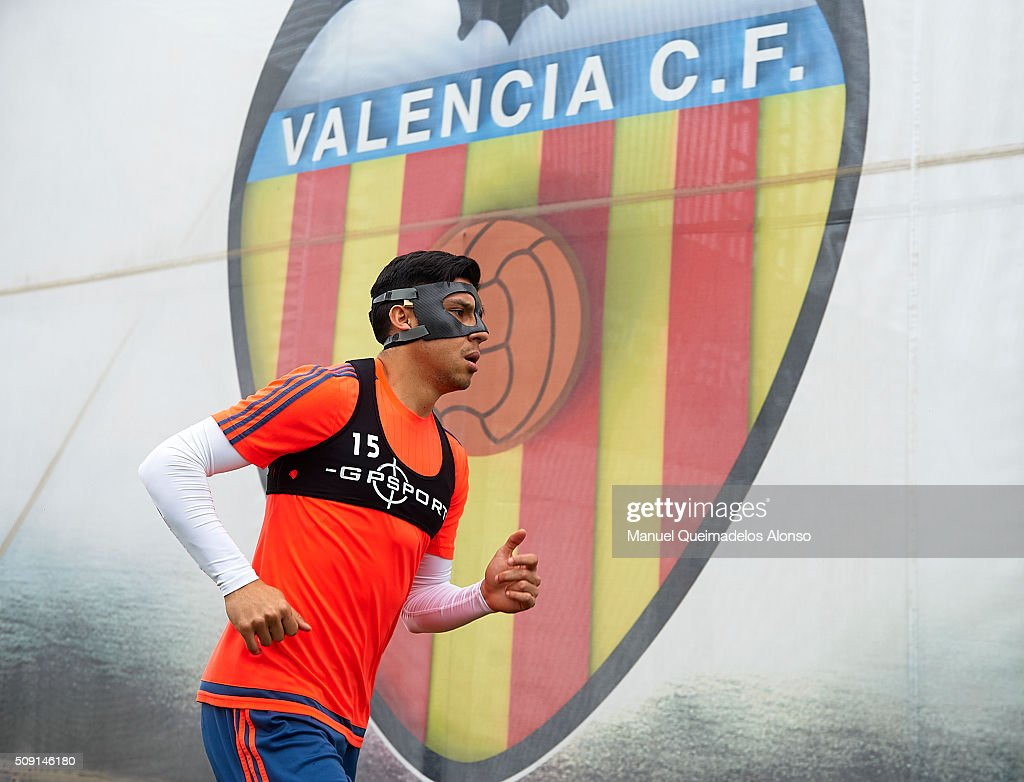 Enzo Perez of Valencia arrives for a Valencia CF training session ahead of Wednesday's Copa del Rey Semi Final, second leg match between Valencia CF and FC Barcelona at Paterna Training Centre on February 9, 2016 in Valencia, Spain.