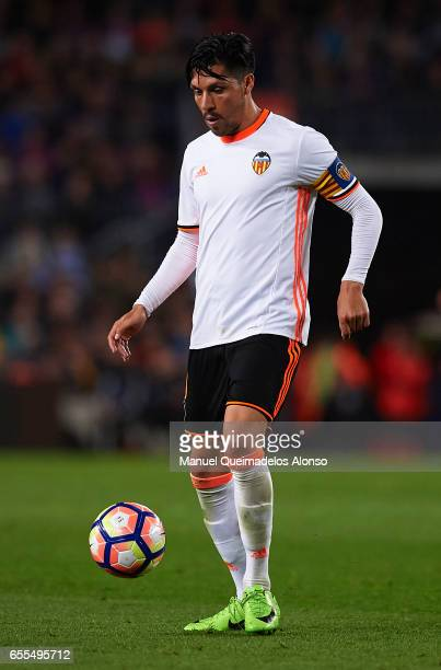 Enzo Perez of Valencia in action during the La Liga match between FC Barcelona and Valencia CF at Camp Nou Stadium on March 19 2017 in Barcelona Spain