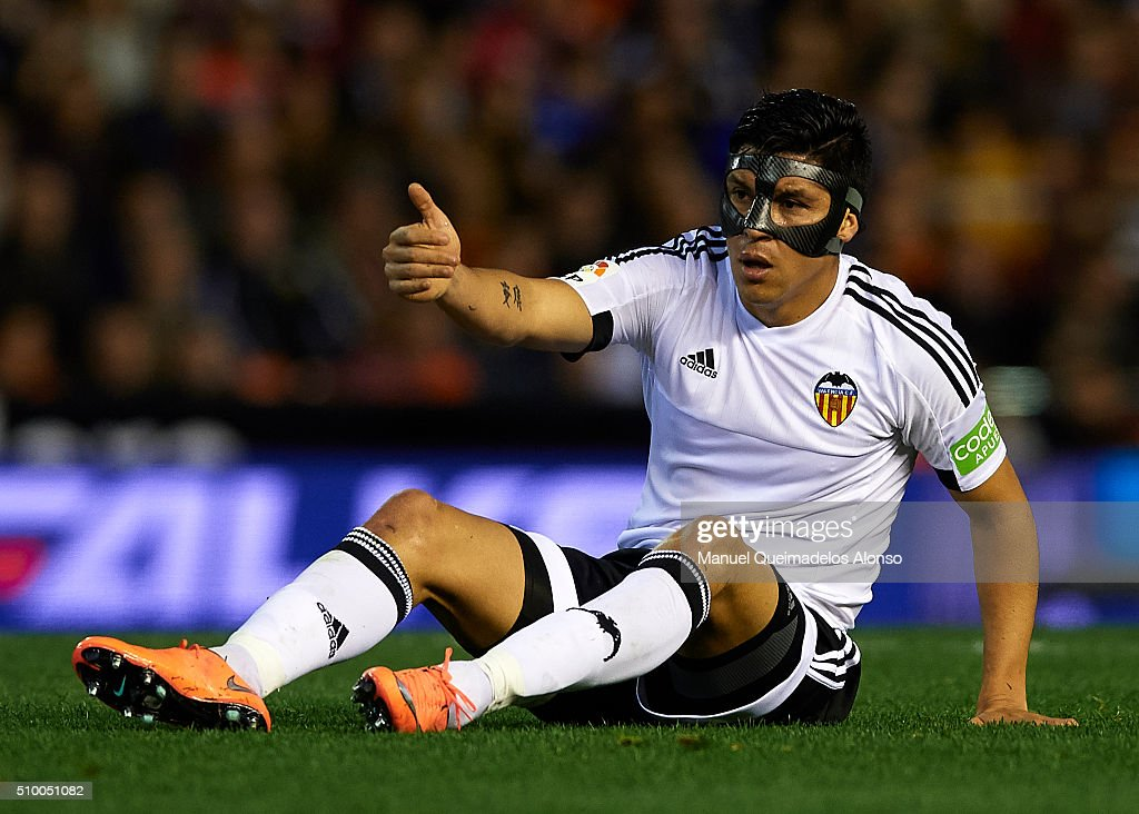 <a gi-track='captionPersonalityLinkClicked' href=/galleries/search?phrase=Enzo+Perez&family=editorial&specificpeople=3275855 ng-click='$event.stopPropagation()'>Enzo Perez</a> of Valencia reacts on the pitch during the La Liga match between Valencia CF and RCD Espanyol at Estadi de Mestalla on February 13, 2016 in Valencia, Spain.