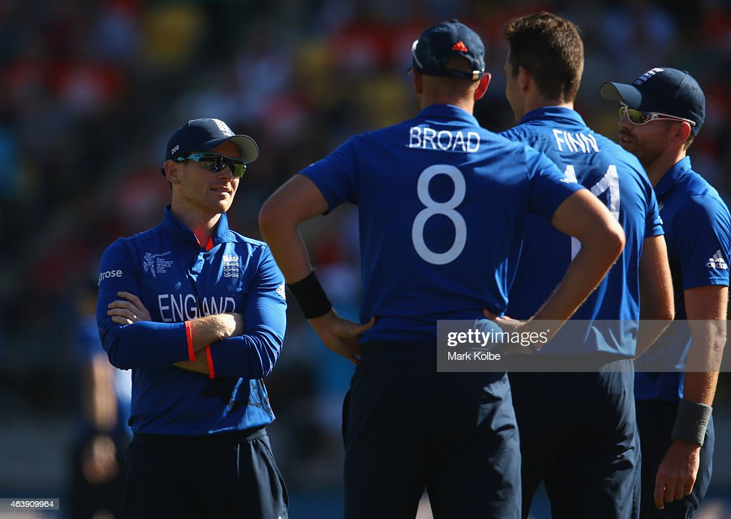 <a gi-track='captionPersonalityLinkClicked' href=/galleries/search?phrase=Eoin+Morgan&family=editorial&specificpeople=689581 ng-click='$event.stopPropagation()'>Eoin Morgan</a> of England speaks to his bowlers <a gi-track='captionPersonalityLinkClicked' href=/galleries/search?phrase=Stuart+Broad&family=editorial&specificpeople=574360 ng-click='$event.stopPropagation()'>Stuart Broad</a>, <a gi-track='captionPersonalityLinkClicked' href=/galleries/search?phrase=Steven+Finn+-+Cricketer&family=editorial&specificpeople=7843917 ng-click='$event.stopPropagation()'>Steven Finn</a> and <a gi-track='captionPersonalityLinkClicked' href=/galleries/search?phrase=James+Anderson+-+Cricket+Player&family=editorial&specificpeople=6920305 ng-click='$event.stopPropagation()'>James Anderson</a> of England during the 2015 ICC Cricket World Cup match between England and New Zealand at Wellington Regional Stadium on February 20, 2015 in Wellington, New Zealand.