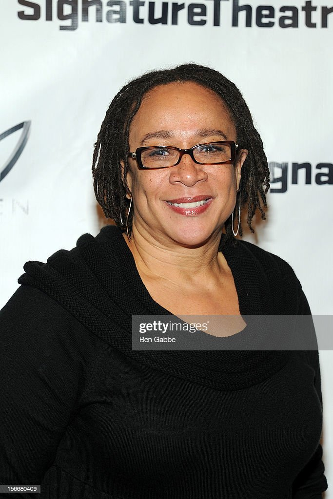 <a gi-track='captionPersonalityLinkClicked' href=/galleries/search?phrase=S.+Epatha+Merkerson&family=editorial&specificpeople=213893 ng-click='$event.stopPropagation()'>S. Epatha Merkerson</a> attends 'The Piano Lesson' Opening Night Party at Signature Theater Company's Peter Norton Space on November 18, 2012 in New York City.