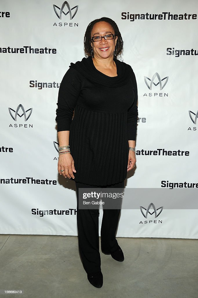 S. Epatha Merkerson attends 'The Piano Lesson' Opening Night Party at Signature Theater Company's Peter Norton Space on November 18, 2012 in New York City.
