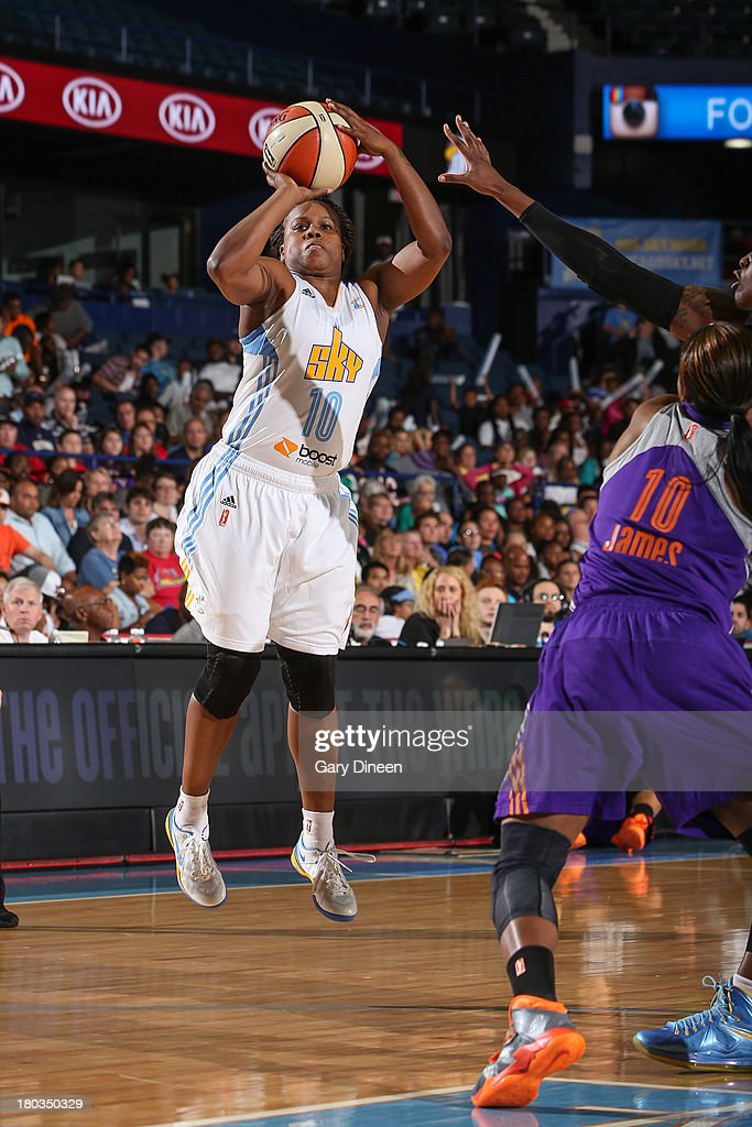Epiphanny Prince #10 of the Chicago Sky shoots against the Phoenix Mercury during the game on September 11, 2013 at the Allstate Arena in Rosemont, Illinois.