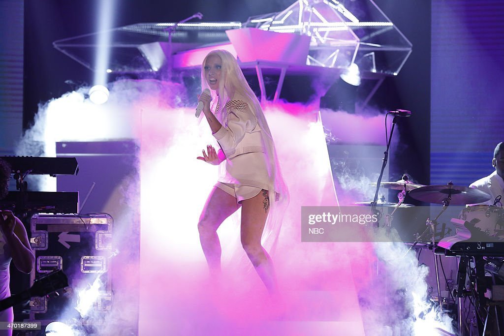 <a gi-track='captionPersonalityLinkClicked' href=/galleries/search?phrase=Lady+Gaga&family=editorial&specificpeople=4456754 ng-click='$event.stopPropagation()'>Lady Gaga</a> --