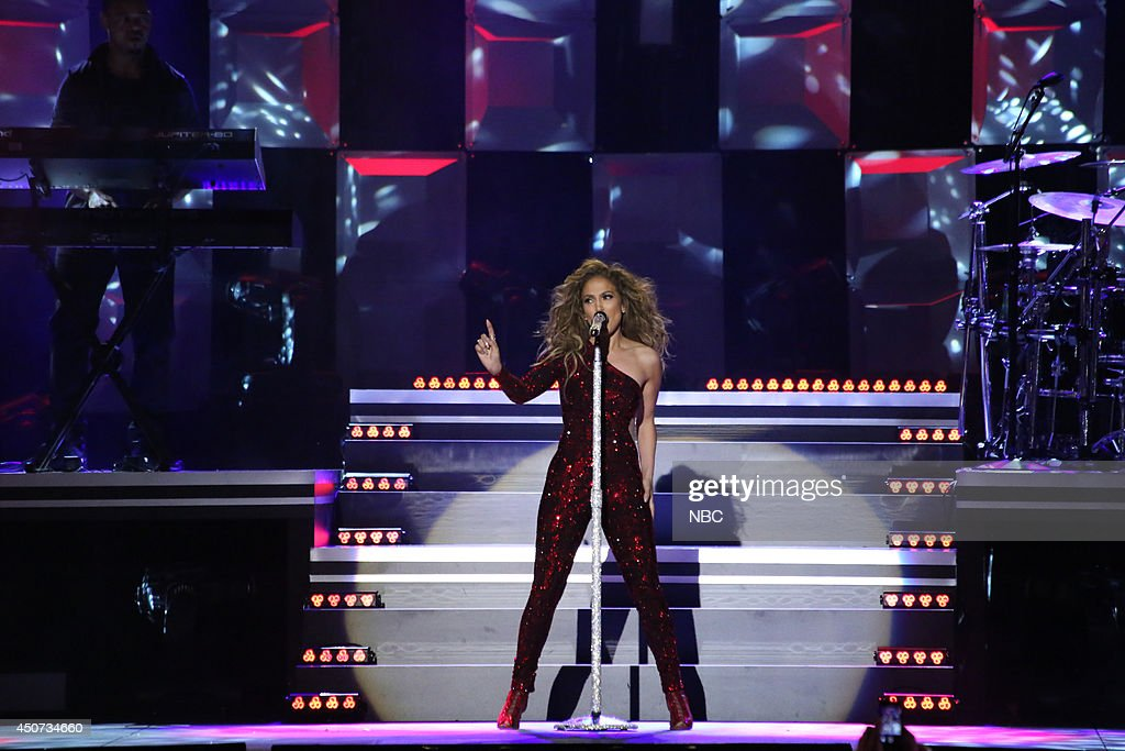 Musical guest <a gi-track='captionPersonalityLinkClicked' href=/galleries/search?phrase=Jennifer+Lopez&family=editorial&specificpeople=201784 ng-click='$event.stopPropagation()'>Jennifer Lopez</a> performs on June 16, 2014 --