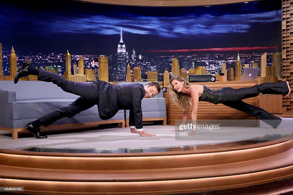 Host Jimmy Fallon and supermodel Gisele Bündchen practice yoga on September 4 2014