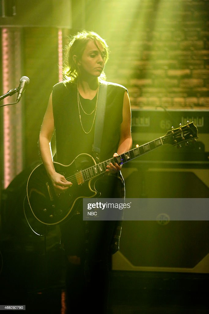 Siouxsie Medley of musical guest Dead Sara performs on April 1 2015