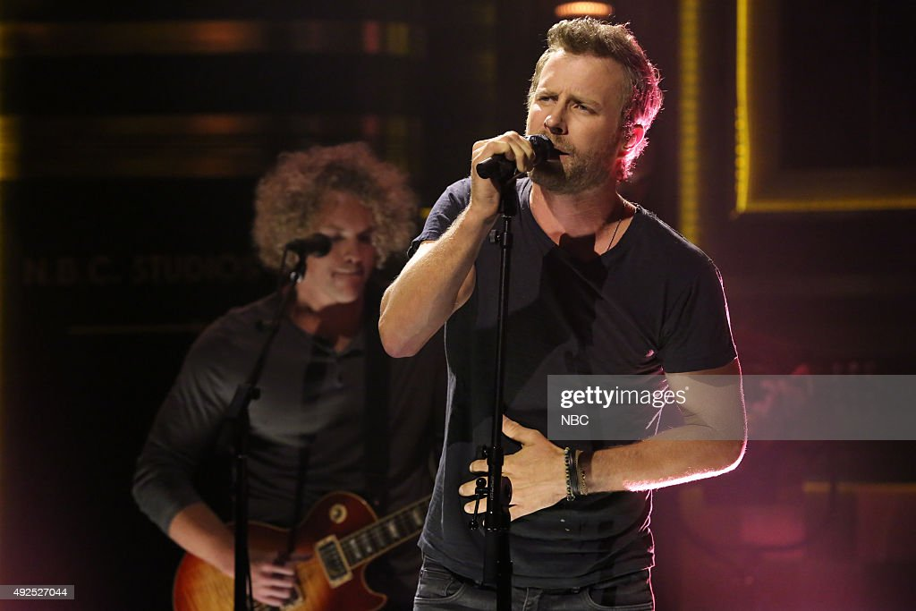 Musical guest Dierks Bentley performs on October 13 2015