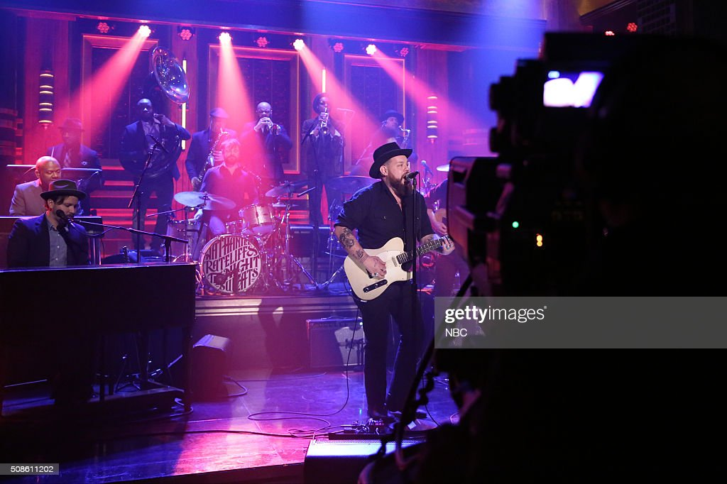 Musical guest Nathaniel Rateliff and The Night Sweats perform with The Roots on February 5, 2016 --