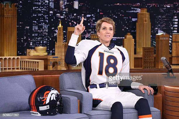 Actress Kristen Wiig dressed as Denver Bronco's quarterback Peyton Manning on February 11 2016