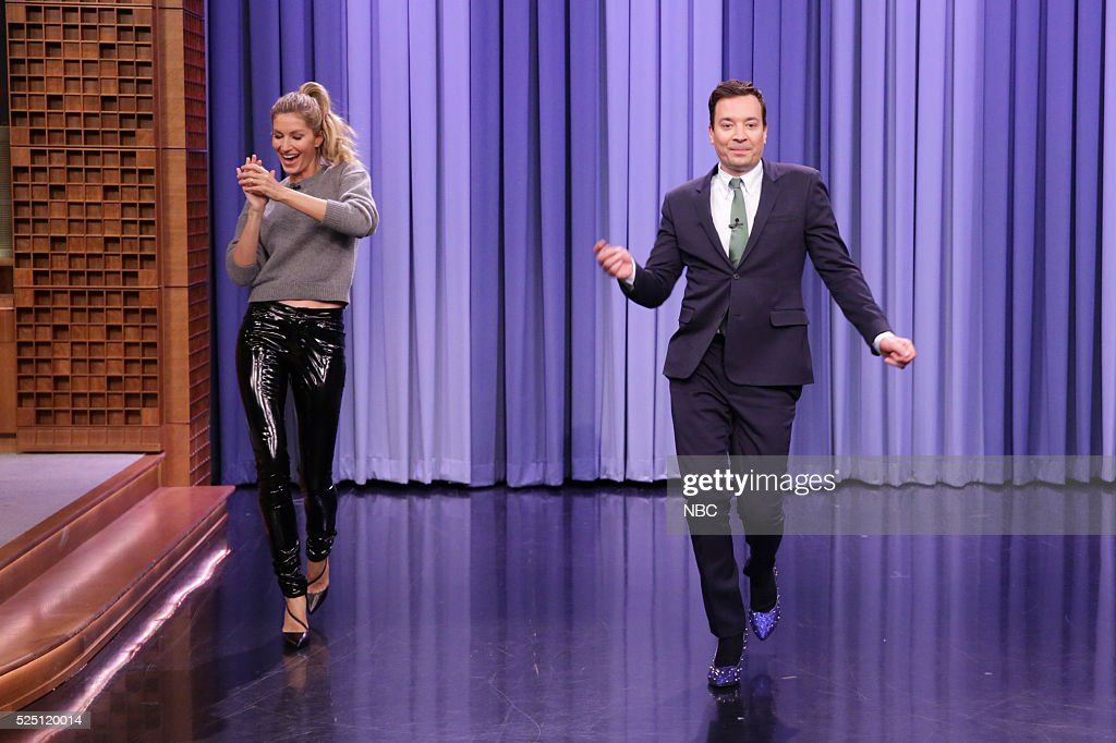 Fashion Model Gisele B������������������ndchen teaches host <a gi-track='captionPersonalityLinkClicked' href=/galleries/search?phrase=Jimmy+Fallon&family=editorial&specificpeople=171520 ng-click='$event.stopPropagation()'>Jimmy Fallon</a> how to walk the runway on April 27, 2016 --