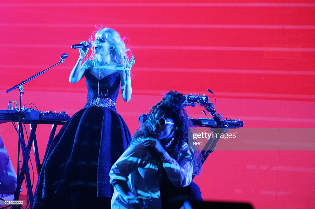 Musical guest <a gi-track='captionPersonalityLinkClicked' href=/galleries/search?phrase=Grimes+-+Musician&family=editorial&specificpeople=10073073 ng-click='$event.stopPropagation()'>Grimes</a> performs on May 4, 2016 --