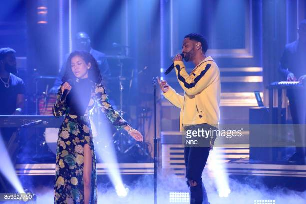 Singer Jhené Aiko performs 'Moments' with Big Sean on October 9 2017