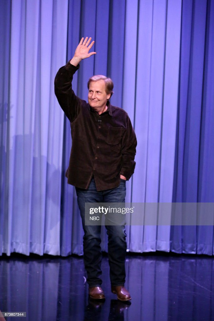 Actor Jeff Daniels arrives for an interview on November 13, 2017 --