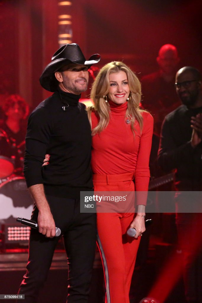 Singers Tim McGraw and Faith Hill perform 'Break First' on November 16, 2017 --