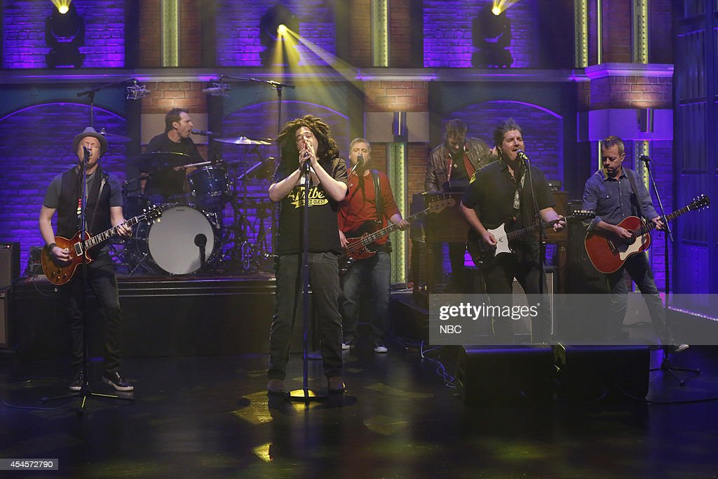 Dan Vickrey, Jim Bogios, Adam Duritz, Millard Powers, David Immergl?ck and David Bryson of musical guest Counting Crows perform on September 3, 2014 --