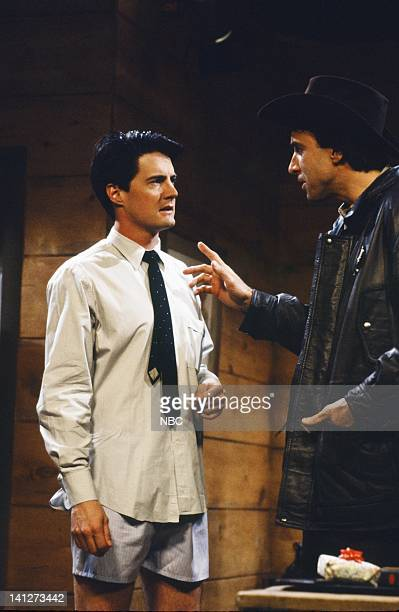 Kyle MacLachlan as Dale Cooper Kevin Nealon as Harry during 'Twin Peaks' skit on September 29 1990 Photo by Alan Singer/NBCU Photo Bank