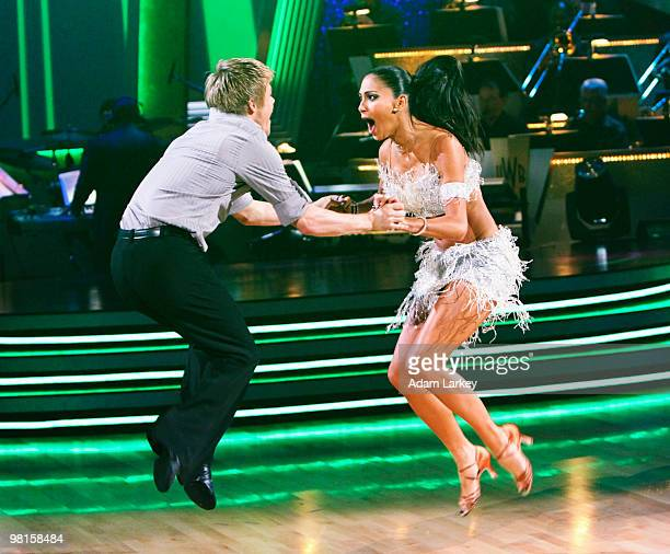 SHOW 'Episode 1002A' On the season premiere of 'Dancing with the Stars the Results Show' the first encore performance of the season was danced by...