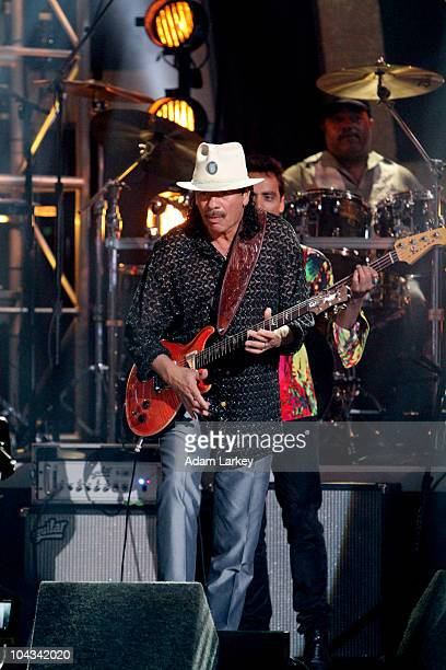 SHOW 'Episode 1101A B' Music legend Santana performed three songs on the show his classic Latin song 'Oye Como Va' and two from his brand new album...