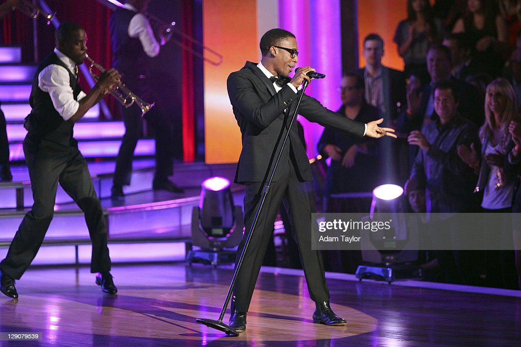 SHOW - 'Episode 1304A' - Raphael Saadiq brought the soulful spirit of the '60s to the ballroom, singing an original version of 'Soul Man,' on 'Dancing with the Stars the Results Show,' TUESDAY, OCTOBER 11 (9:00-10:01 p.m., ET), on the ABC Television Network.