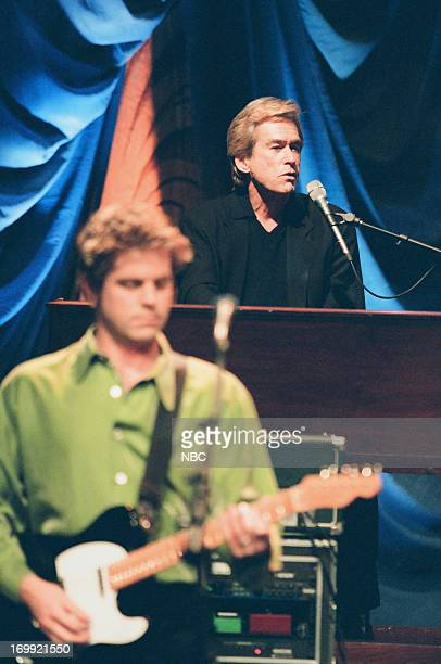 Bill Champlin of musical guest Chicago perform on December 16 1998