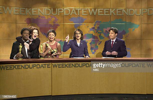 LIVE Episode 16 Air Date Pictured Dean Edwards as Denzel Washington Amy Poehler as Julia Roberts Maya Rudolph as Halle Berry Tina Fey Jimmy Fallon...