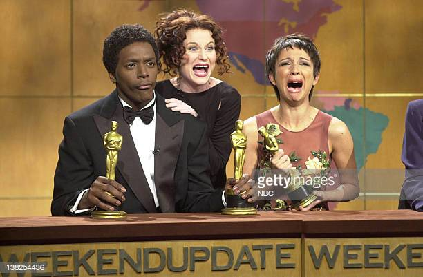 LIVE Episode 16 Air Date Pictured Dean Edwards as Denzel Washington Amy Poehler as Julia Roberts Maya Rudolph as Halle Berry during 'Weekend Update'...