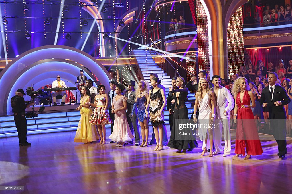 STARS - 'Episode 1606' - Special guest country superstar Hunter Hayes performed with Stevie Wonder in a spectacular opening performance, on 'Dancing with the Stars,' MONDAY, APRIL 22 (8:00-10:01 p.m., ET), on ABC. STEVIE WONDER, HUNTER HAYES; KARINA SMIRNOFF, JACOBY JONES, SHARNA BURGESS, ANDY DICK, ALEXANDRA RAISMAN, MARK BALLAS, PETA MURGATROYD, SEAN LOWE (OBSCURED), ZENDAYA, VAL