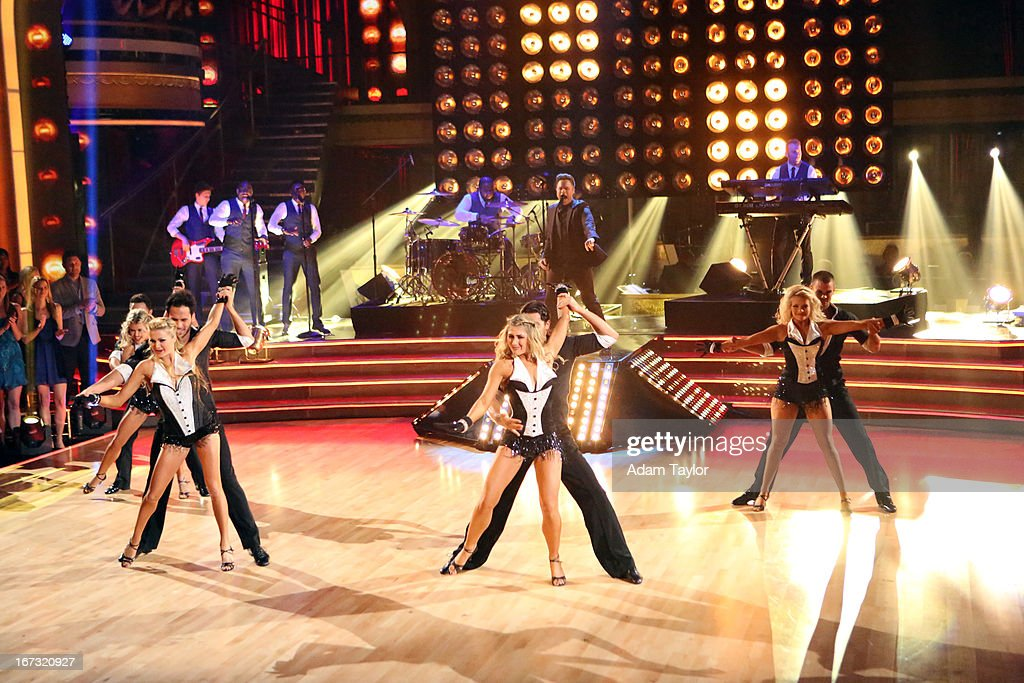 SHOW - 'Episode 1606A' - International superstar Olly Murs performed his current hit, 'Troublemaker,' on 'Dancing with the Stars the Results Show,' TUESDAY, APRIL 23 (9:00-10:01 p.m., ET), on ABC. OLLY MURS (ON STAGE), DANCERS