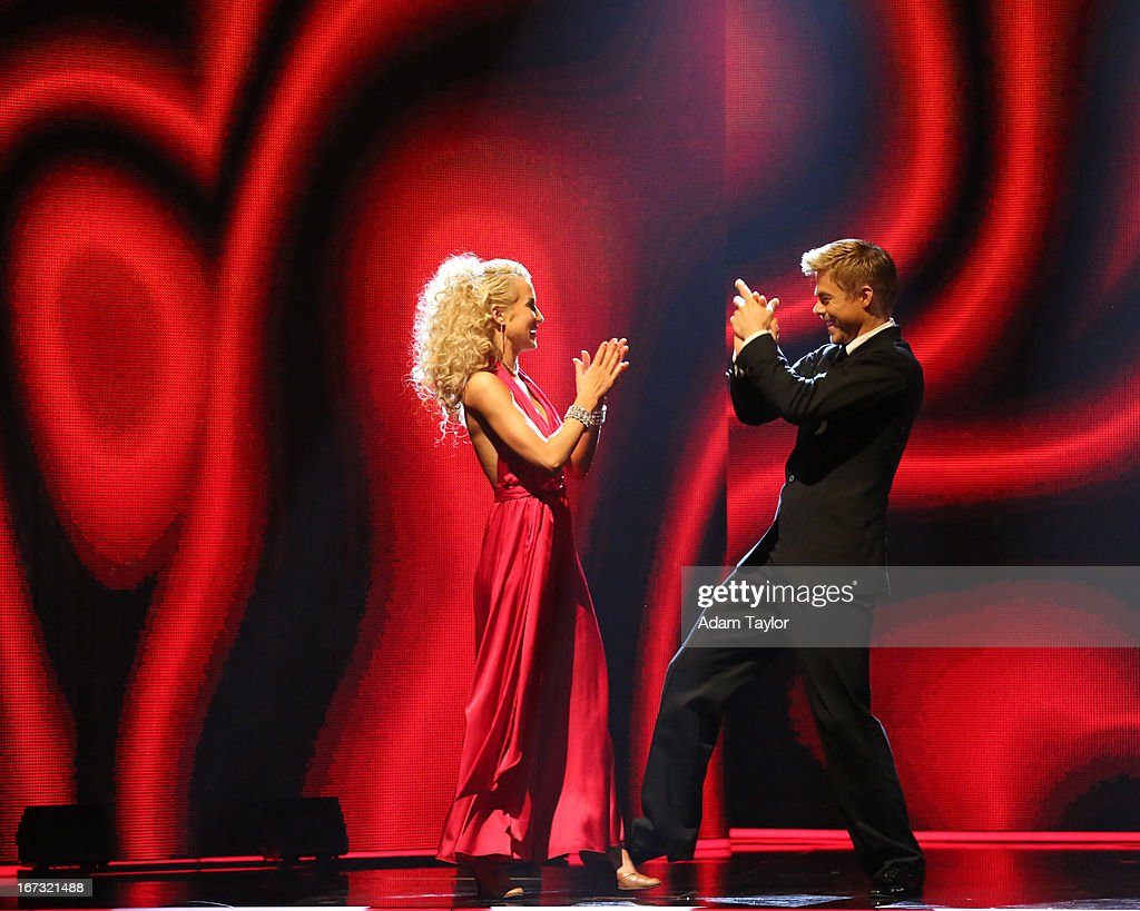 SHOW - 'Episode 1606A' - The remaining couples awaited elimination results on 'Dancing with the Stars the Results Show,' TUESDAY, APRIL 23 (9:00-10:01 p.m., ET), on ABC. (Photo by Adam Taylor/ABC via Getty Images)KELLIE PICKLER, DEREK HOUGH