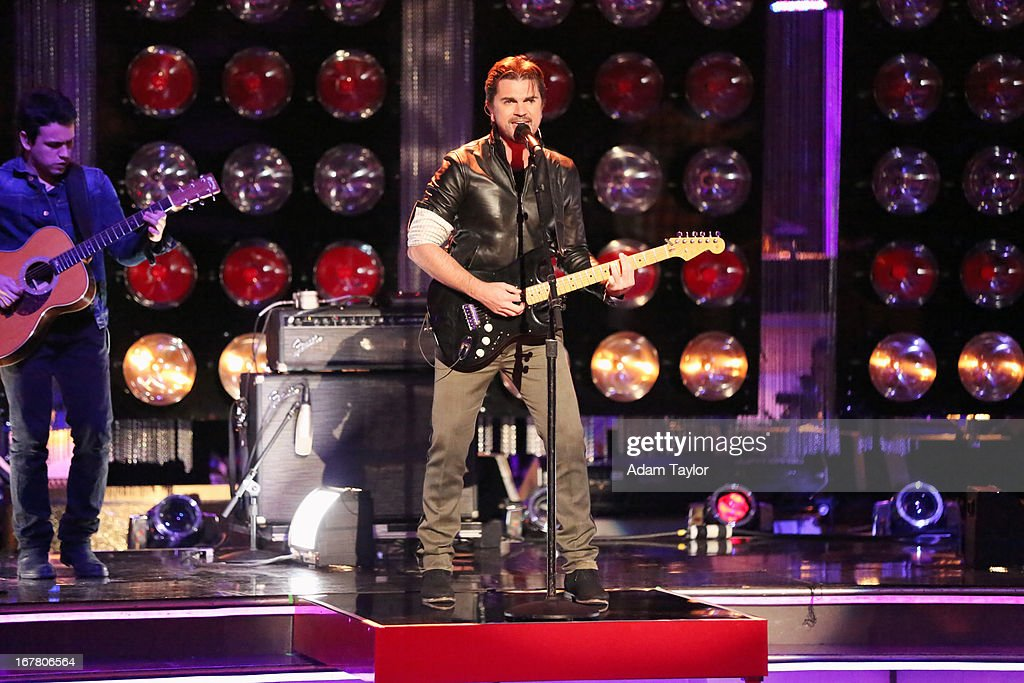 STARS - 'Episode 1607' - The show featured music by Grammy winner and Spanish language rock artist Juanes, who performed a medley of his hits, including 'La Camisa Negra' and 'Cumbia Sexy,' on 'Dancing with the Stars,' MONDAY, APRIL 29 (8:00-10:01 p.m., ET), on ABC. JUANES