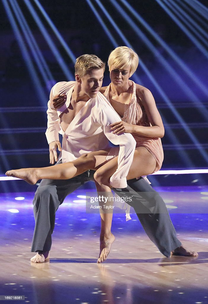 SHOW - 'Episode 1610A' -- Kellie Pickler and Derek Hough entertained the audience with an encore of their Freestyle performance. on the two-hour Season Finale of 'Dancing with the Stars the Results Show,' TUESDAY, MAY 21 (9:00-11:00 p.m., ET), on ABC. (Photo by Adam Taylor/ABC via Getty Images) DEREK HOUGH, KELLIE PICKLER