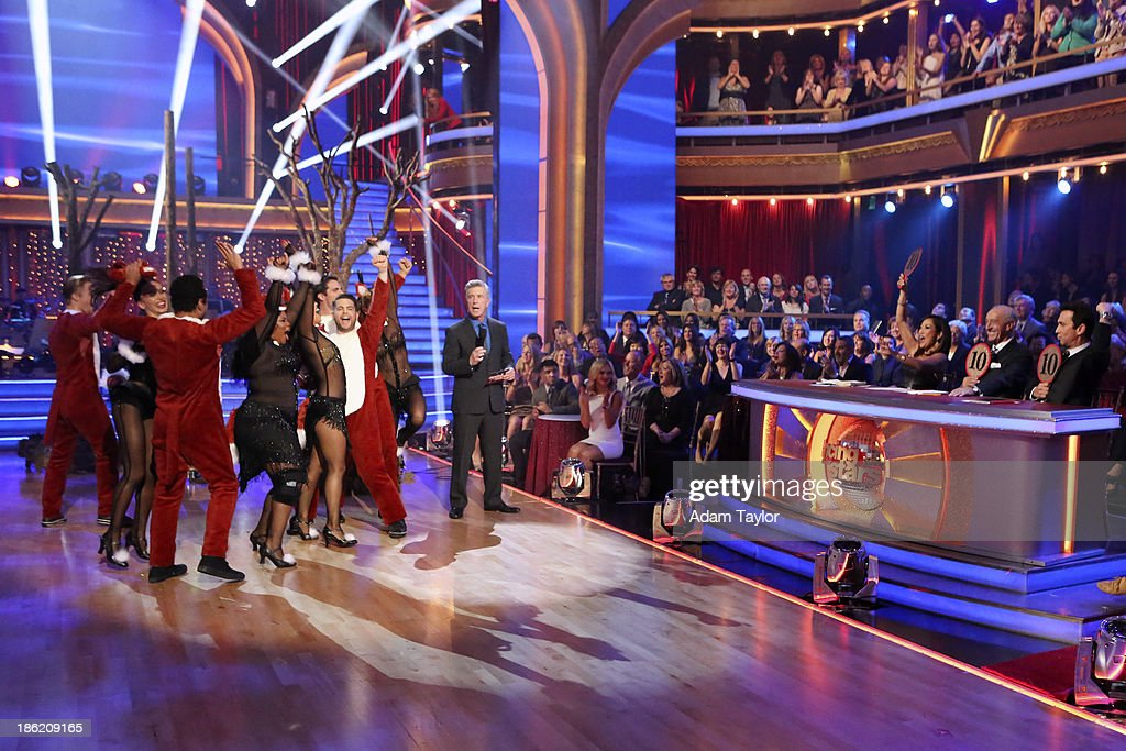 STARS - 'Episode 1707' - The competition continued as eight remaining celebrities performed two new routines on 'Dancing with the Stars,' MONDAY, OCTOBER 28 (8:00-10:01 p.m., ET). The night began with a spectacular opening number choreographed by Emmy Nominated choreographer, Mandy Moore. The competition was then split into two rounds. In the first round, each couple took on a dance style they have not been previously performed including the Salsa, Quickstep, Samba, Cha Cha, Paso Doble, and Jive. In the second round, the cast danced together in two separate teams, with each couple having a featured solo. DEREK