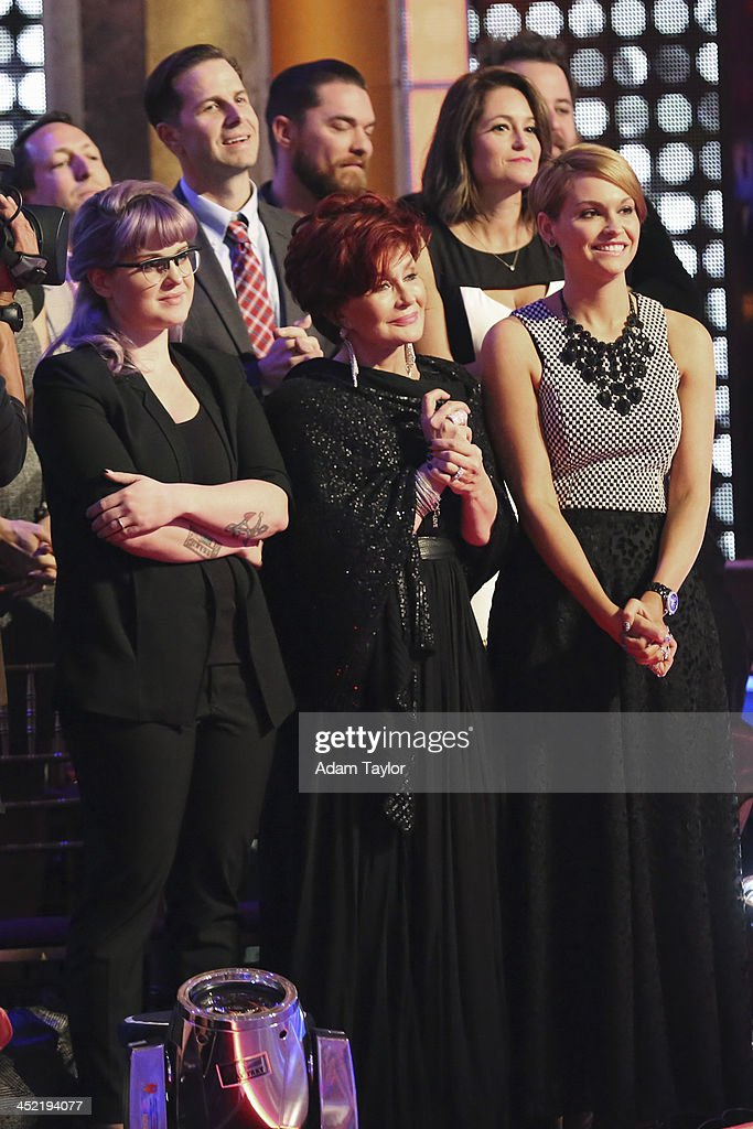 STARS - 'Episode 1711A' - In the last element of competition, the couples performed a new routine as part of a '24 Hour Fusion Challenge,' on the two-hour Season Finale on 'Dancing with the Stars,' TUESDAY, NOVEMBER 26 (9:00-11:00 p.m., ET), on ABC. KELLY