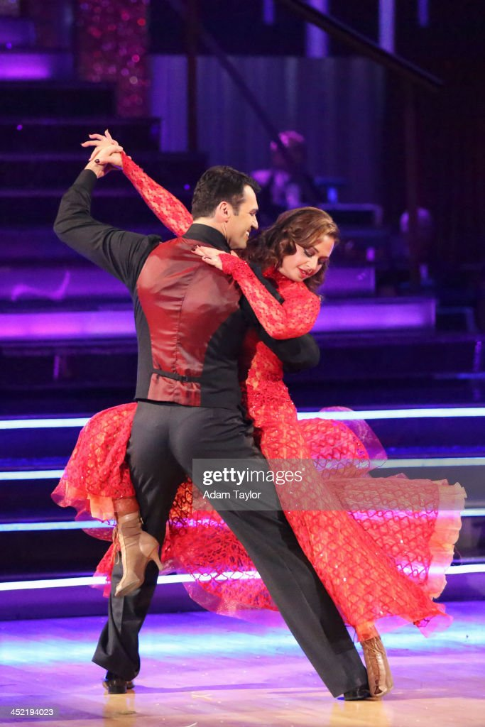 STARS - 'Episode 1711A' - The entire celebrity cast returned for the two-hour Season Finale on 'Dancing with the Stars,' TUESDAY, NOVEMBER 26 (9:00-11:00 p.m., ET), on ABC. REMINI