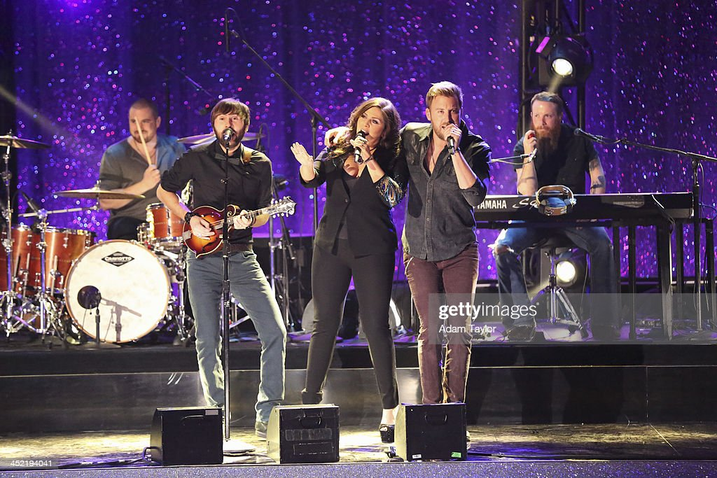 STARS - 'Episode 1711A' - The finale featured Lady Antebellum who performed their new single 'Compass,' on the two-hour Season Finale on 'Dancing with the Stars,' TUESDAY, NOVEMBER 26 (9:00-11:00 p.m., ET), on ABC. ANTEBELLUM