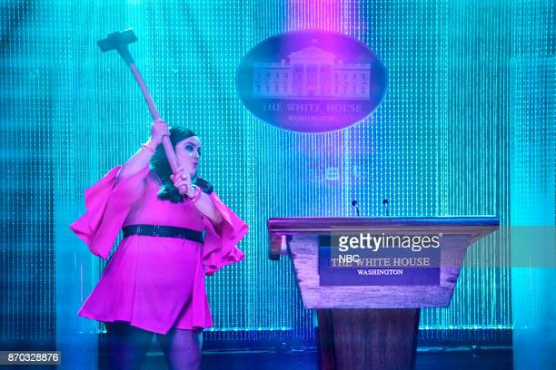 Aidy Bryant as White House Press Secretary Sarah Huckabee Sanders during 'Press Conference' on Saturday November 4 2017