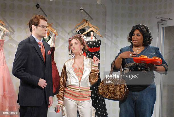 LIVE Episode 18 Aired Pictured Bill Hader as salesman Scarlett Johansson as daughter Kenan Thompson as Virginiaca Hastings during 'Prom Dress...